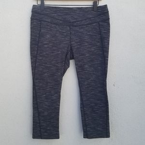 Lucy cropped workout pants size L